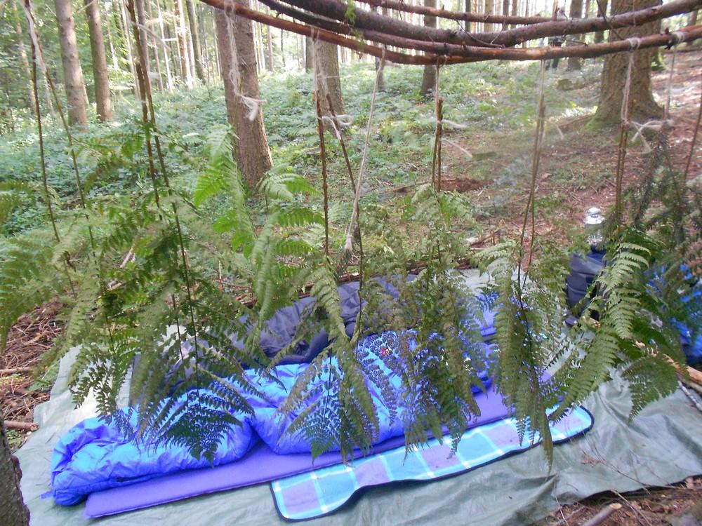 Das Schlafzimmer unter dem Blätterdach in dem Projekt