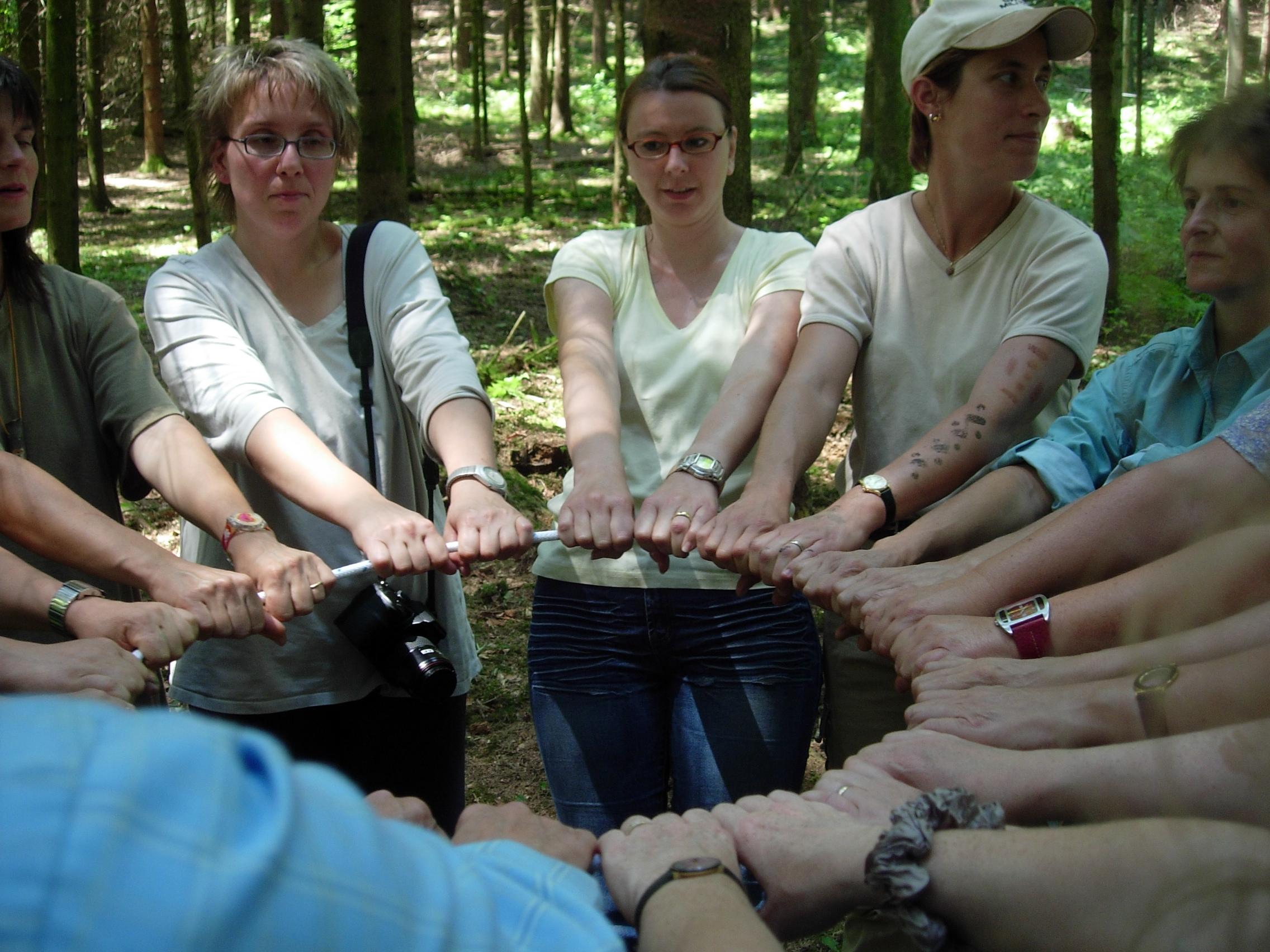 Die Gruppe wächst in emotionaler Verbundenheit schnell in Kursen zusammen