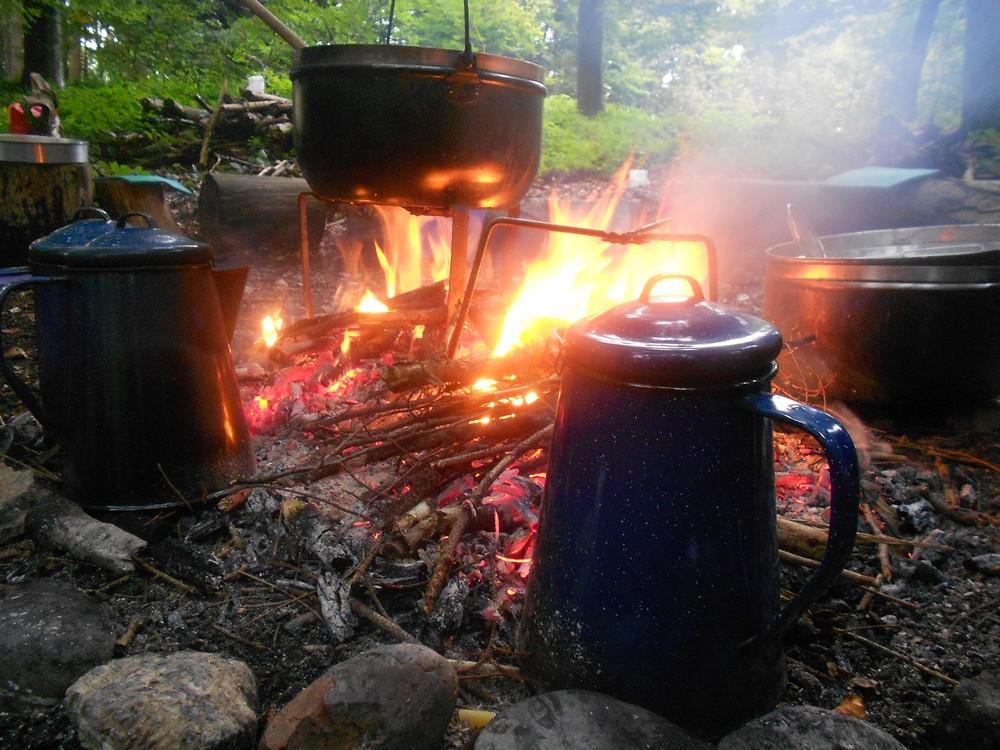 Lagerfeuerstimmung bei den Naturprojekten vom Feuervogel