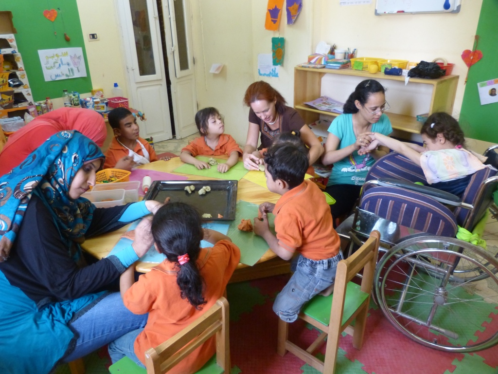 Mit der ganzheitlichen heilpädagogischen Tagesstätte in Aswan, Südägypten erfüllte sich Jasmina Meier ihre Vision eine Schule zu gründen.