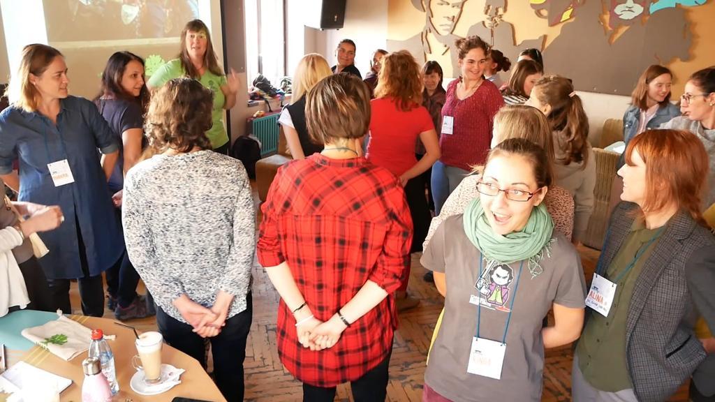 Die Teilnehmer an dem Workshop von Petra Jäger in Rumänien