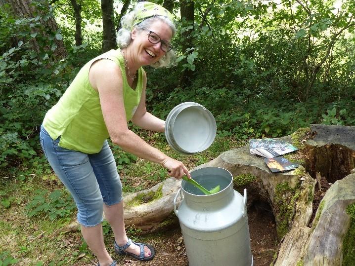 Janine Weber, Fachgruppe «Kind und Natur» bei ERBINAT/ Leiterin Fachbereich Wald bei IG Spielgruppen Bildung GmbH/ Kontakt: janine.weber@erbinat.ch