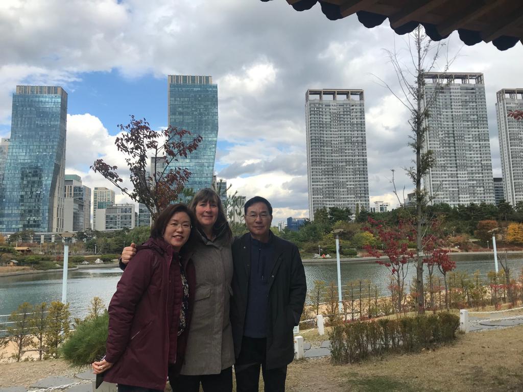 Prof. Dr. Kim, Petra Jäger und Prof. Dr. Lee, drei alte Freunde in Incheon