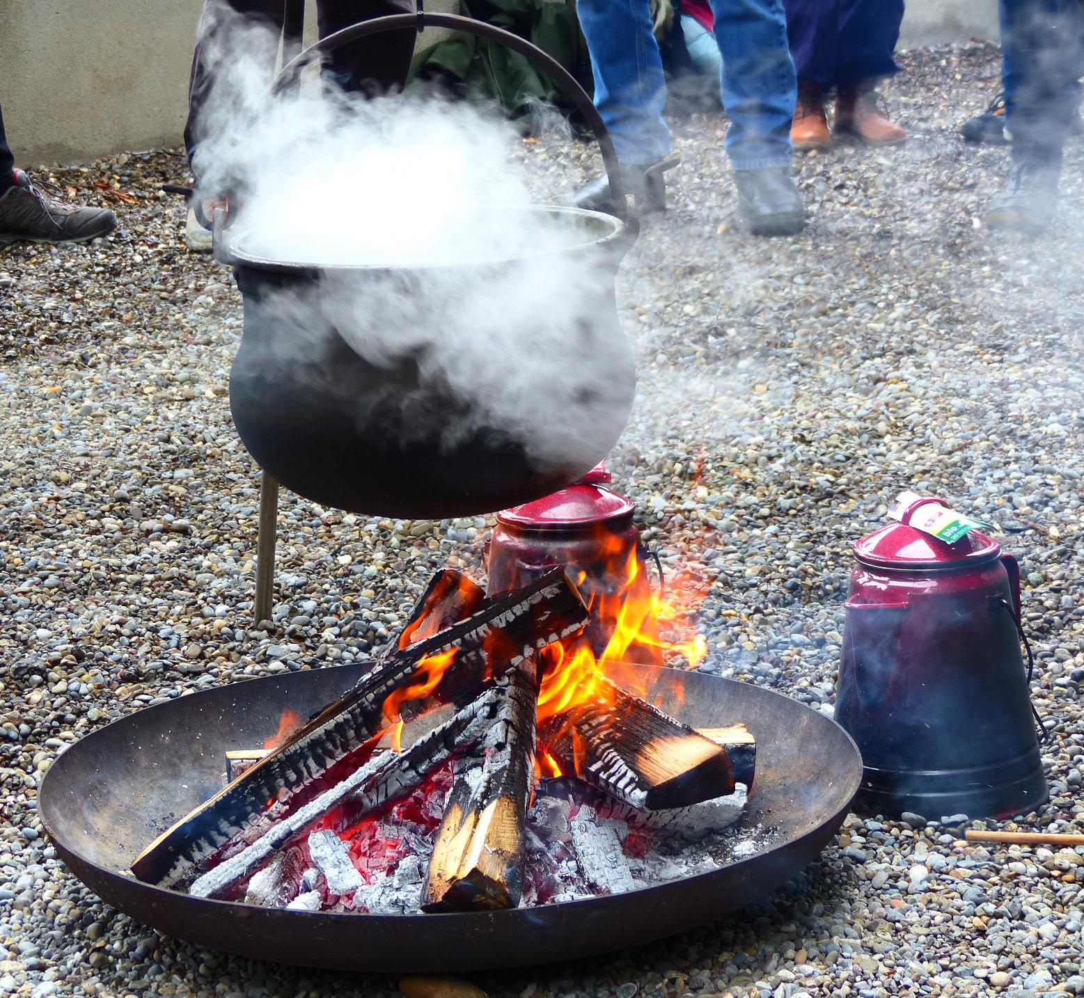 Das offene Feuer für die Teilnehmer vom Fachforum in Zürich.